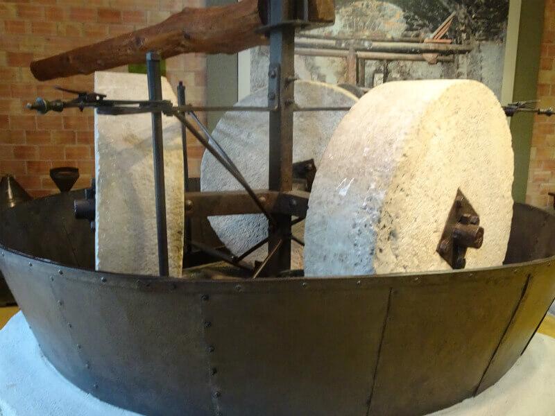 Oil Mill Lefkada - Eλαιοτριβεία στη Λευκάδα
